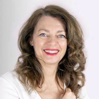 Claudia Koch